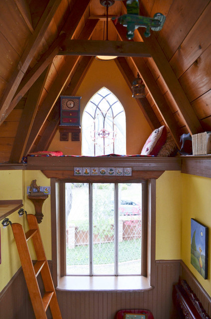 loogguitars:  Steve and Jeri wanted to build their grandkids a treehouse. We want Steve and Jeri to be our grandparents.