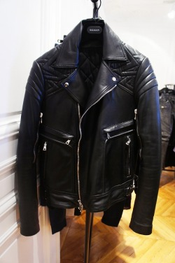 les-nyc:  mamama-mercy:  I WANT THIS!!!!!!!!! やばい!!これ欲しい!!  BALMAIN BIKER JACKET