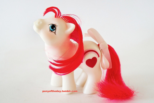 g1mlp:  Mail Order white Valentine twin (by SoSilver)  <3