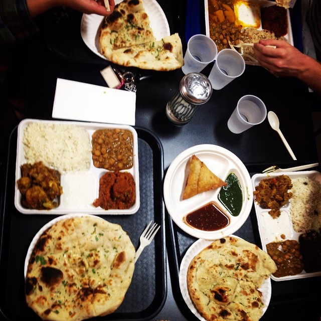 We found an #Indian food court in Culver City thanks to The Food Network. 😍 (at Samosa House)