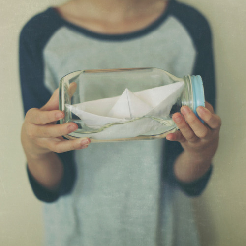 ginandbird:  the turbulent sea (by annie.hb)