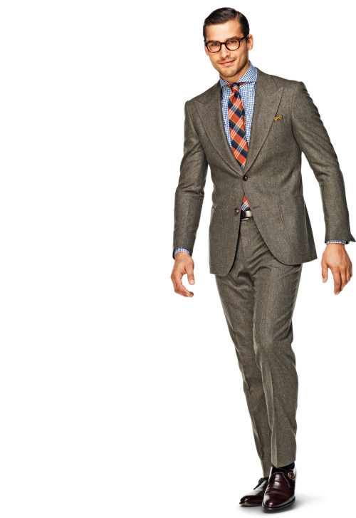 I think I'm going to go with this suit for the wedding, looks so nice and dapper