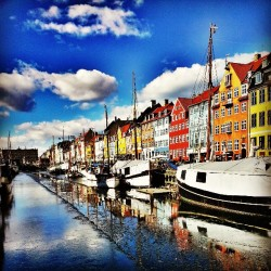 roadlessco:  Ok Copenhagen. You're fairly picturesque. from Nyhavnsbroen (via Laurence on instagram)