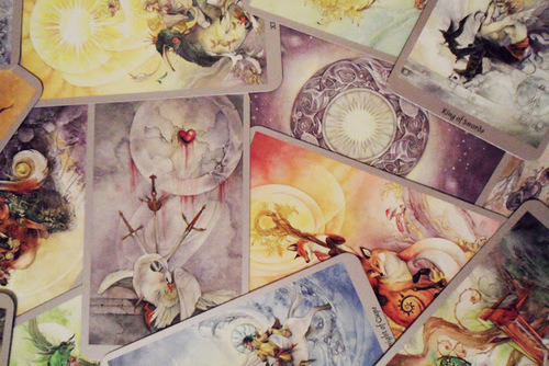 classikalmetal:  Samhain Moon: SHADOWSCAPES TAROT REVIEW via elvenbird Follow for more mystic/pagan, dark and nature posts☽