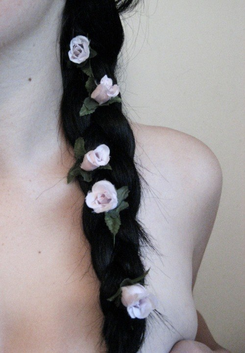 beautylastsforever:  proqeny:  ≡ pretty pale ≡  ✝☯☪More Pretty Here☪☯✝