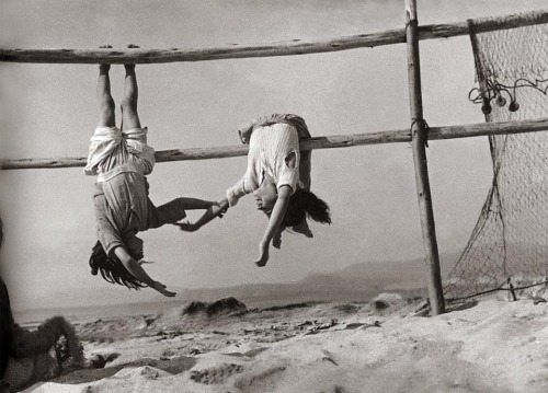 Sergio Larraín Daughters of fishermen in the village of Horcones, 1957 Also