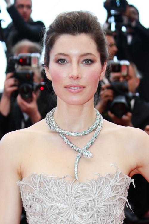 This necklace on Jessica Biel is MAGICAL! realmofthesenses:  Jessica Biel in Marchesa @ 'Inside Llewyn Davis' Cannes Film Festival Premiere