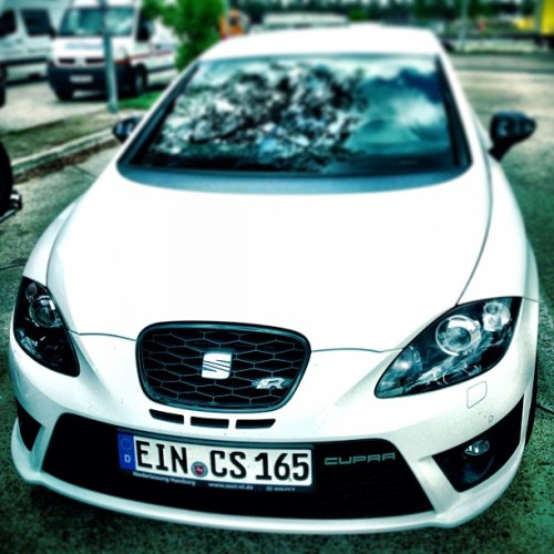 My new ride #Seat #Leon #Cupra_R #Cupra #racing #fastcar #265hp #gorgeous #beautiful #white (hier: Raststätte Brunautal)