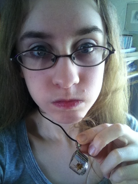 I found my spider necklace and when I'm happy I make dumb faces / =U= /
