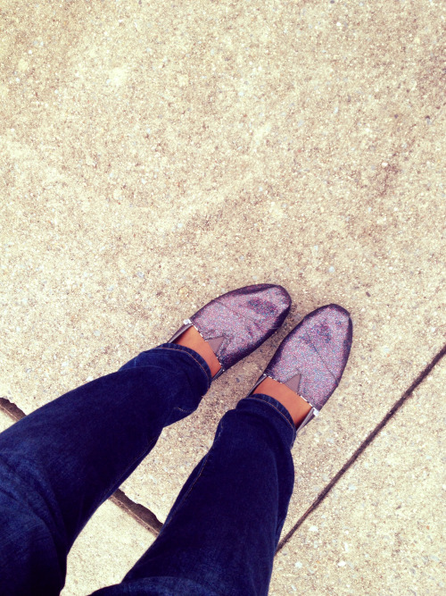 toms glitter toms girly toms sparkly toms cute girls side walk purple toms shows hipster indie jeans denium