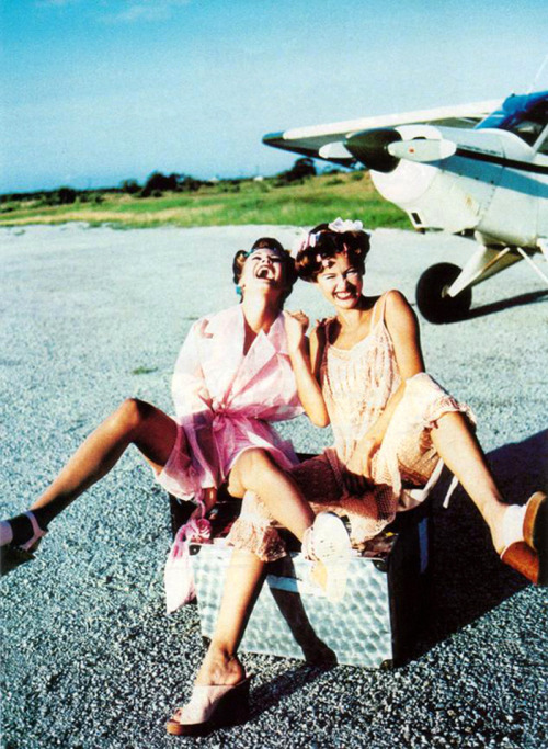"""Safari!"", Glamour Italia, June 1995Models : Laetitia Casta & Unknown"
