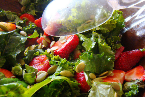 veganfeast:  Massaged Kale with Strawberries and Basil on Flickr.