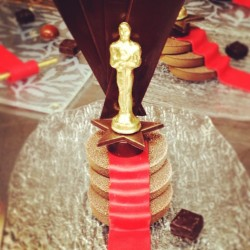 Who will take Oscar home tonight? Our guests at @BeverlyWilshire! The Pastry team has been hard at work crafting golden treats all day. #FSFotog (at Beverly Wilshire (A Four Seasons Hotel))