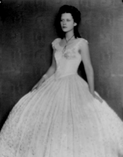 Hedy Lamarr, age 19, as Empress Elisabeth of Austria
