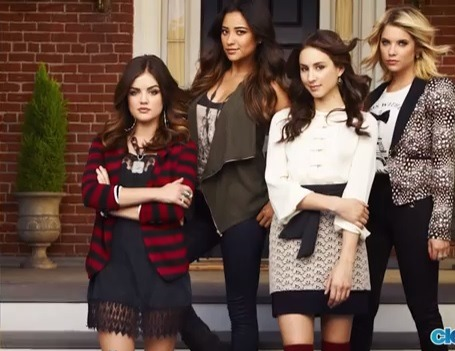 Sneak peek at the cast photo for Pretty Little Liars Season 4. The full shoot will be released sometime next week!