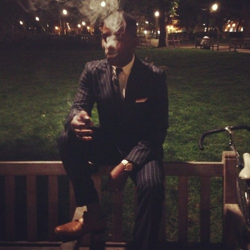 Post #menswear #suitupphi event with @indochino, enjoying a cigar in #rittenhouse! #dailystylebattle #philly @hackettlondon #suit