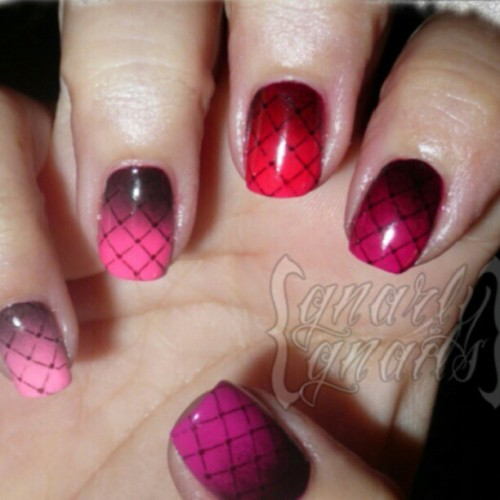 Throwback Thursday perfect for Valentines Day! http://www.gnarlygnails.com/2012/06/adventures-in-stamping-hot-stuff.html #tbt #nailstagram #nailsofinstagram #nailart #vdaymani