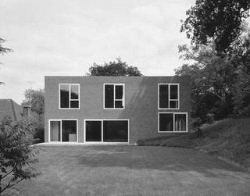 Jonathan Woolf |  Brick Leaf House | London; UK | 2003 'here we achieve a sense of generosity without resort to an overly expensive constructional and material treatment. Therefore, the building uses the most everyday form of commercial construction in the UK, a steel frame with cavity brick and block walls and lightweight concrete floors…Walls are simply decorated plasterboard and there is under-floor heating throughout. The final atmosphere is of a solid wall-like building of generously proportioned rooms.'