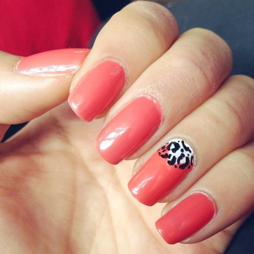 #nails of the week :3 #coral #leopard #nailart #nailpolish #accent #essie #opi #loreal
