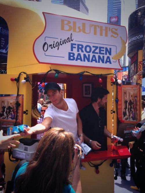 "popculturebrain:  ""So @MScottDonnelly and I just got frozen bananas from these guys."" -@KristinaLuca"