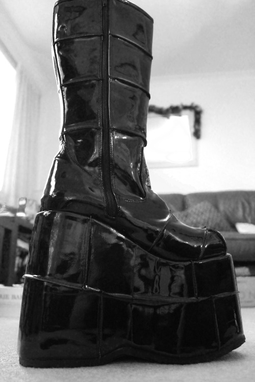 Uh oh, I got even higher boots this year ;3