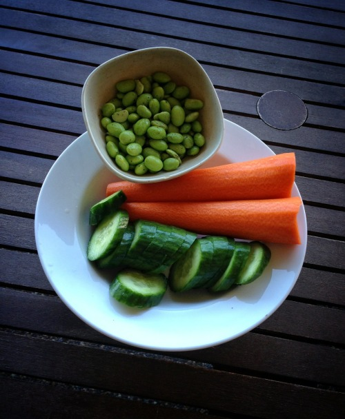 snowpeasprout:  Lunch: cucumber, carrot, and shelled edamame with pepper.