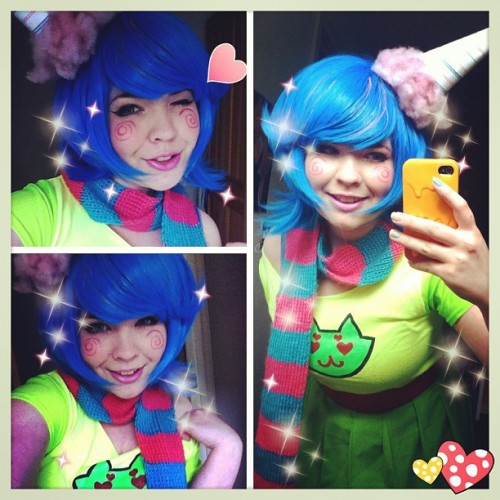 psychedelicpaprika:  Fixing my trickster roxy stuff for anime Boston
