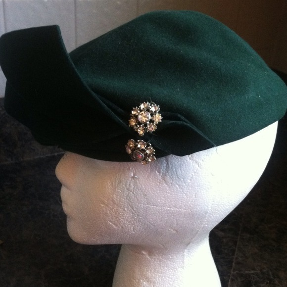 I just added this to my closet on Poshmark: Hat. (http://bit.ly/ZvGegE) #poshmark #fashion #shopping #shopmycloset