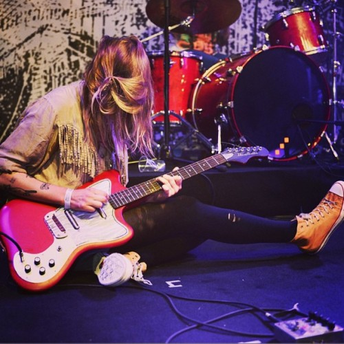 conversemusic:   Vivian Girls getting comfortable at a Get Dirty gig in Barcelona last month.