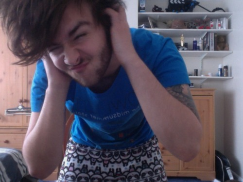 OKAY! I couldn't look more camp if I tried but LOOKS! PANDA PJ BOTTOMS! owl city top and morning hair, whats not to love!?  AND MY SEXY FACE!  So much caps :(