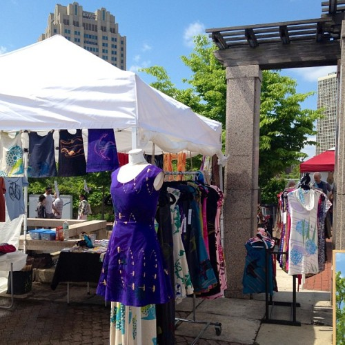 Beautiful day in Philly for the second half of ArtStar Craft Bazaar! #indiemarket #craftshow #artstar #craftbazaar #phillypa (at Great Plaza At Penn's Landing)