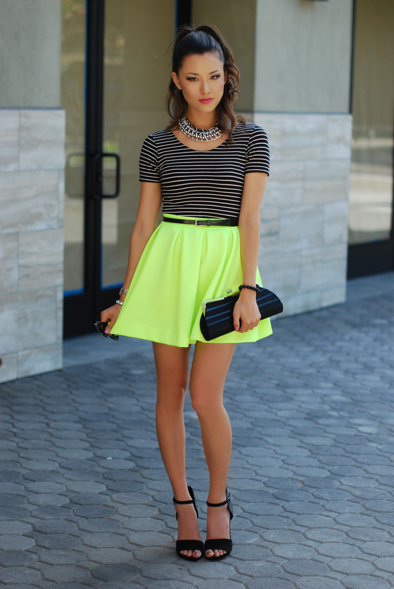 hapatime:  More > http://www.hapatime.com/2013/05/neon-stripes-and-sparkles.html  She is so pretty!!