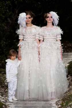 harpersbazaar:  Here Comes the Brides: Chanel Haute Couture 2013 Photo credit: Imaxtree