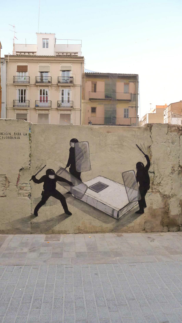 crushoncinthia:  By Escif. Valencia, Spain.