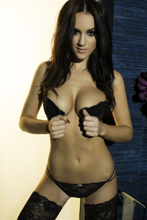make-her-famous:  Good Morning World with Rosie Jones.