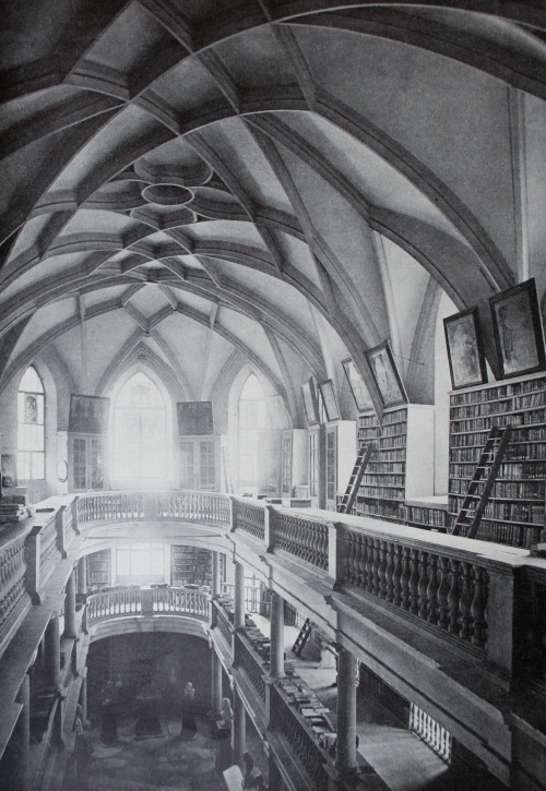 booksnbuildings:  Wasserkirche library, Zürich (Switzerland). The Wasserkirche was built as a church, converted into a library in the 17th century and re-established as a church in the 20th century. Photo before 1917.  Make it a library again…