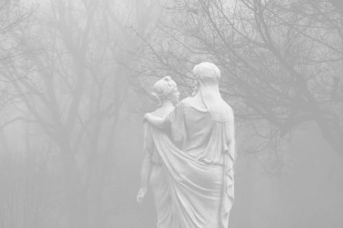 akapale:  foggy/pale