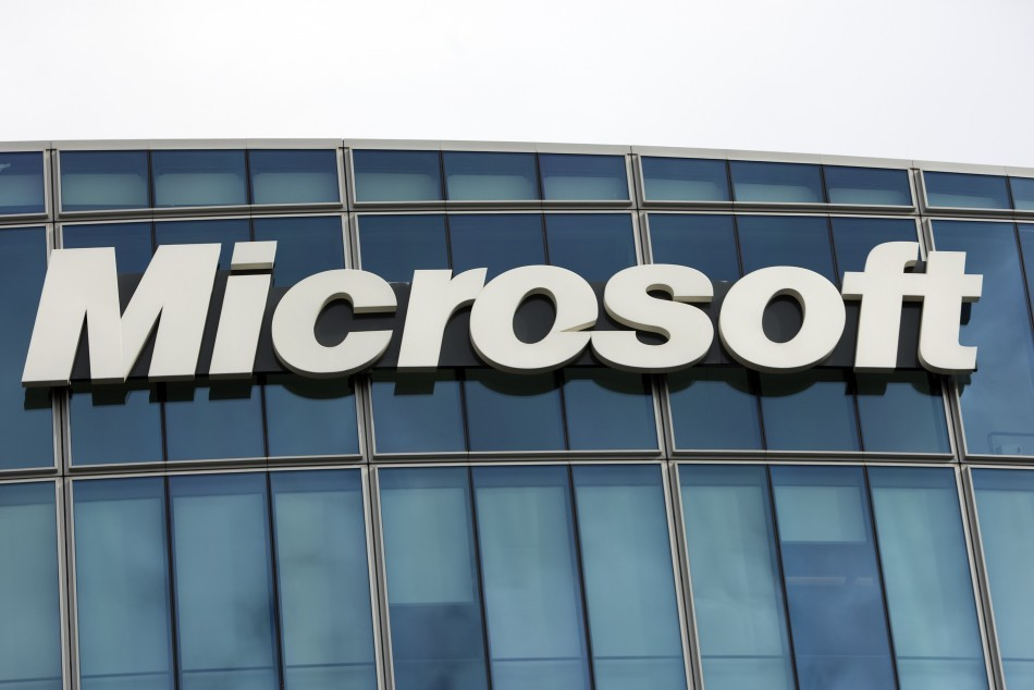 Microsoft Fined £484m by EU for Breech of Antitrust Agreement http://www.ibtimes.co.uk/articles/442809/20130306/microsoft-fined-561-million-euro-eu-antitrust.htm