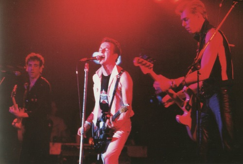 superblackmarket:  The Clash at Bonds in NYC, 1981