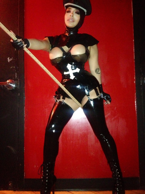 RED LIGHT : CROSS PLAY | Outfit I truly felt like a rubber doll slash Super Villain! KLAWTEX Open Face Hood, Ruffle Bra, Harness Basque, DoDeca Garter Belt, Thigh High Stockings & Fingerless Gloves!  Photo by Bolden Bradley