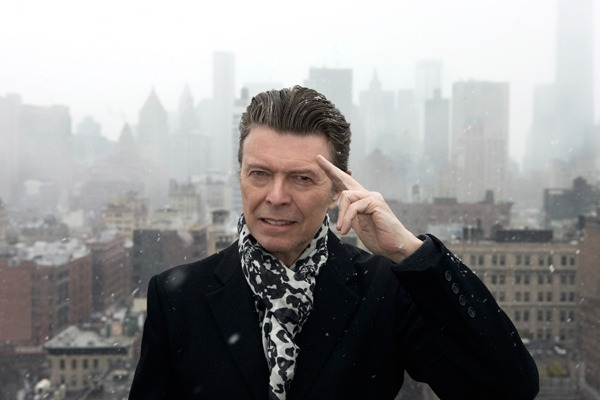 rollingstone:  It's been almost four months since David Bowie announced he was returning from semi-retirement and six weeks since The Next Day arrived on shelves, but Bowie has yet to utter a word in public, let alone make any sort of appearance, in support of the album. He is starting to crack just the tiniest bit, though, and has given a 42-word statement about the album.