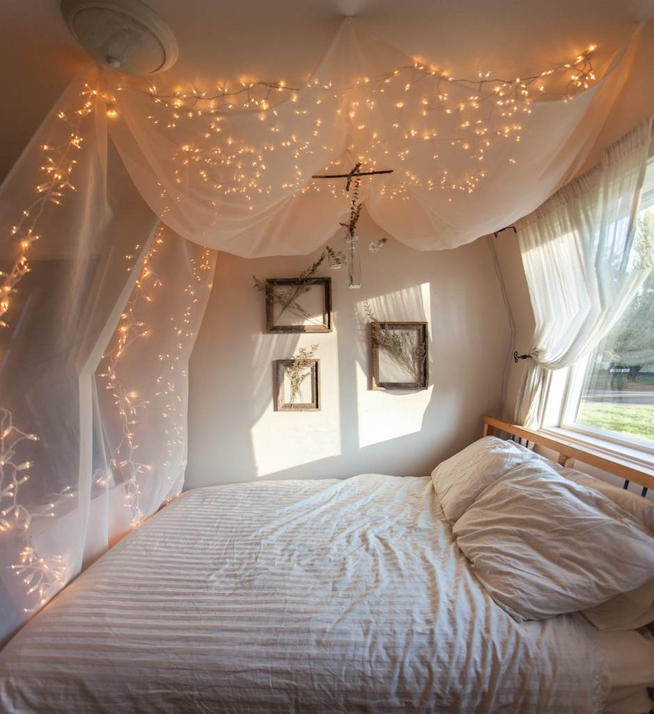 thawn:  this would be heaven to sleep in and wake up with the lights still glowing and sunlight coming through your window mm