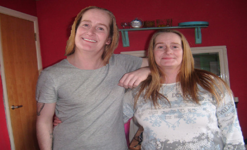 PEOPLE ALWAYS SAY ME AND MY MUM LOOK A LIKE… I DON'T SEE IT.
