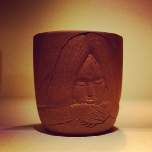 Carved Heath cup by @mcfetridge at #Playmountain. #heathceramics #geoffmcfetrige (at Play Mountain)