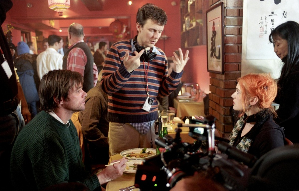 fuckyeahdirectors:  Jim Carrey, Michel Gondry and Kate Winslet on-set of Eternal Sunshine of the Spotless Mind (2004)