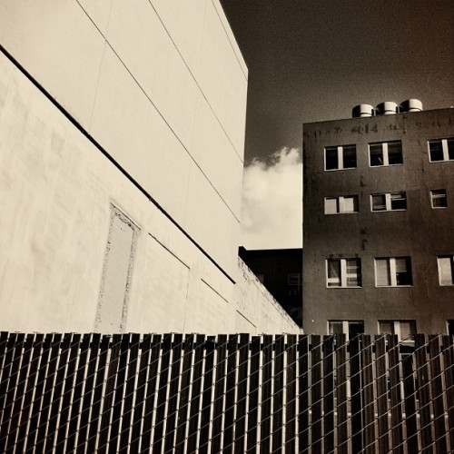 #bw #sepia #wall #urban (at Stumptown Coffee Roasters)