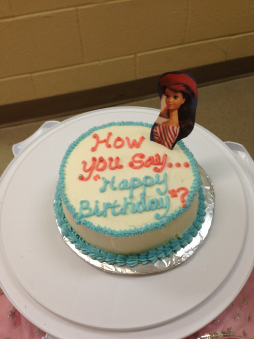 iamthepantsqueen:  I'm going to cry look at this perfect cake my friend made me for my birthday