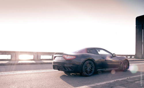 A state of bliss Starring: Maserati GranTurismo MC Stradale (by Pieter Ameye)