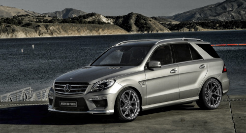 Render: 2013 Mercedes Benz ML63 AMG with 22 inch Vorsteiner VS-110 Forged Wheels