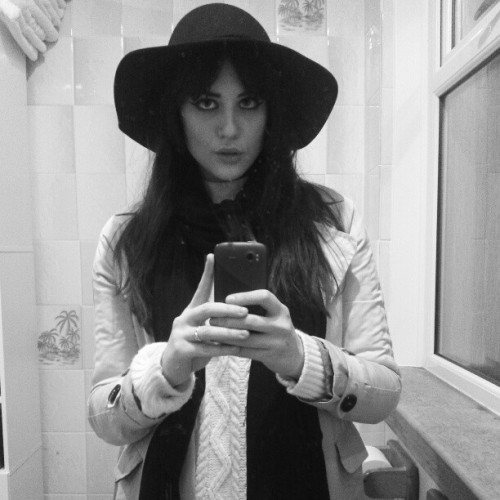 new hat. #me #ootd #new #hat #floppy #trench #coat #instagirl